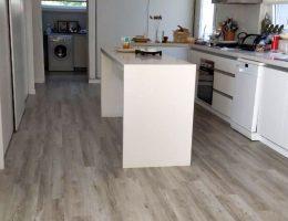 Instalacion piso vinílico spc 4 mm NOVEL en cocina